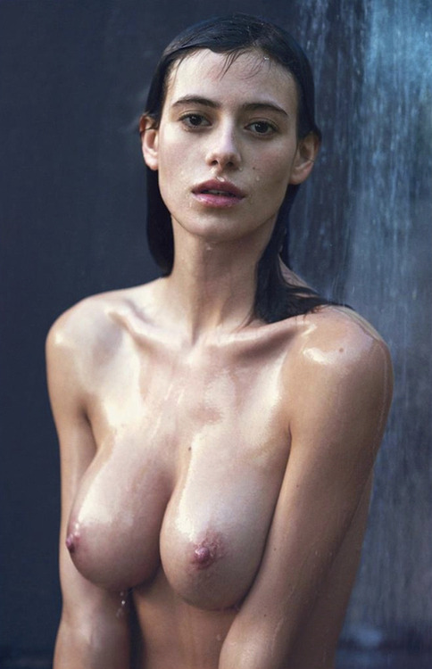 484x750, 82 Kb / струи, мокрая, Alejandra Guilmant, David Bellemere