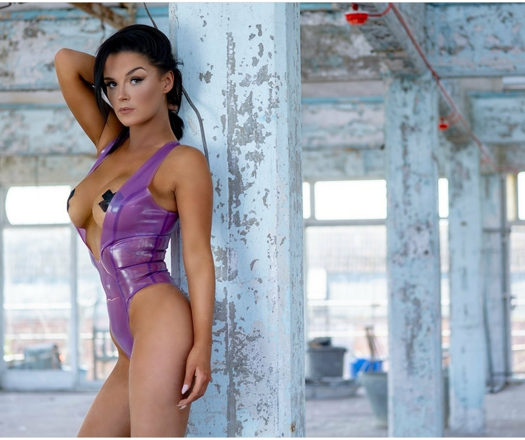 1078x904, 538 Kb / shiny, purple, swimsuit, brunette
