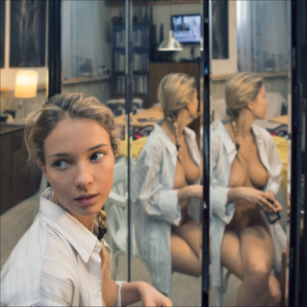 600x600, 57 Kb / зеркало, отражение,трюмо, Наталья Андреева, Danica, Немчинова