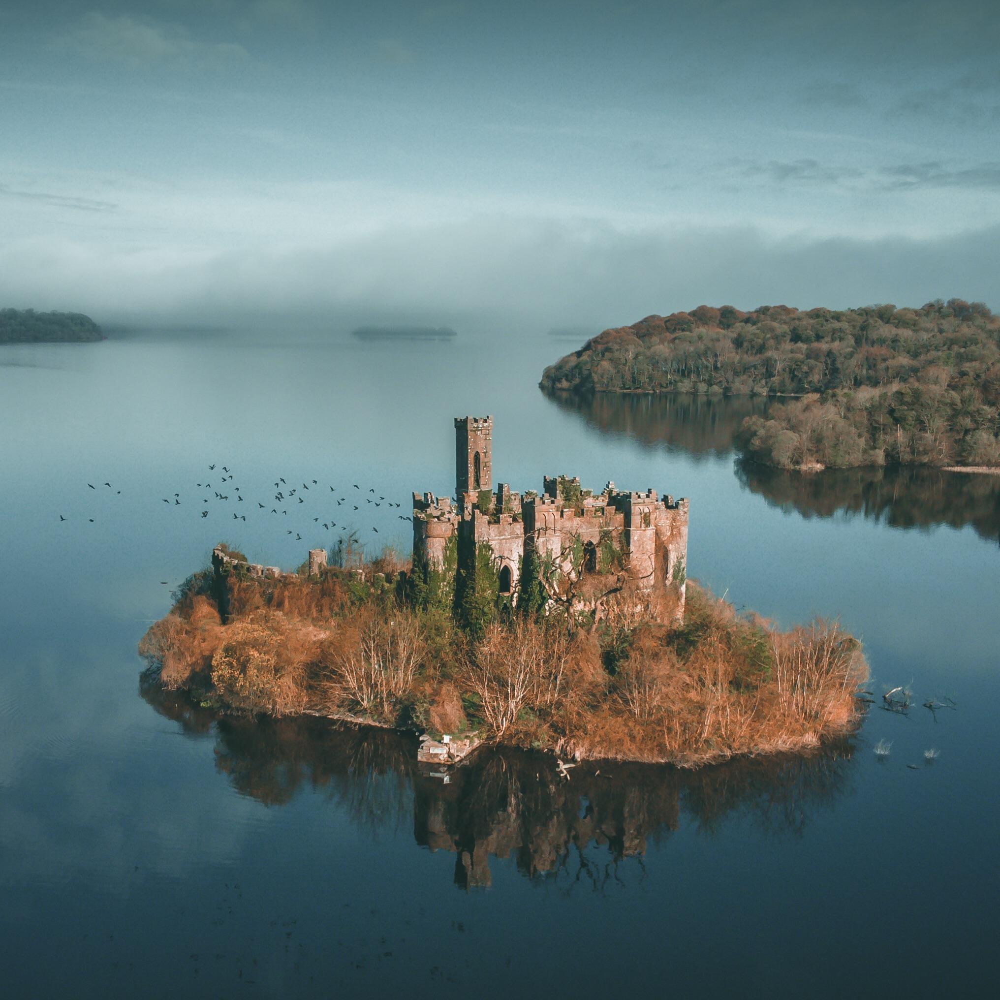 2032x2032, 330 Kb / замок, остров, Ирландия, крепость, заброшка, МакДермотт