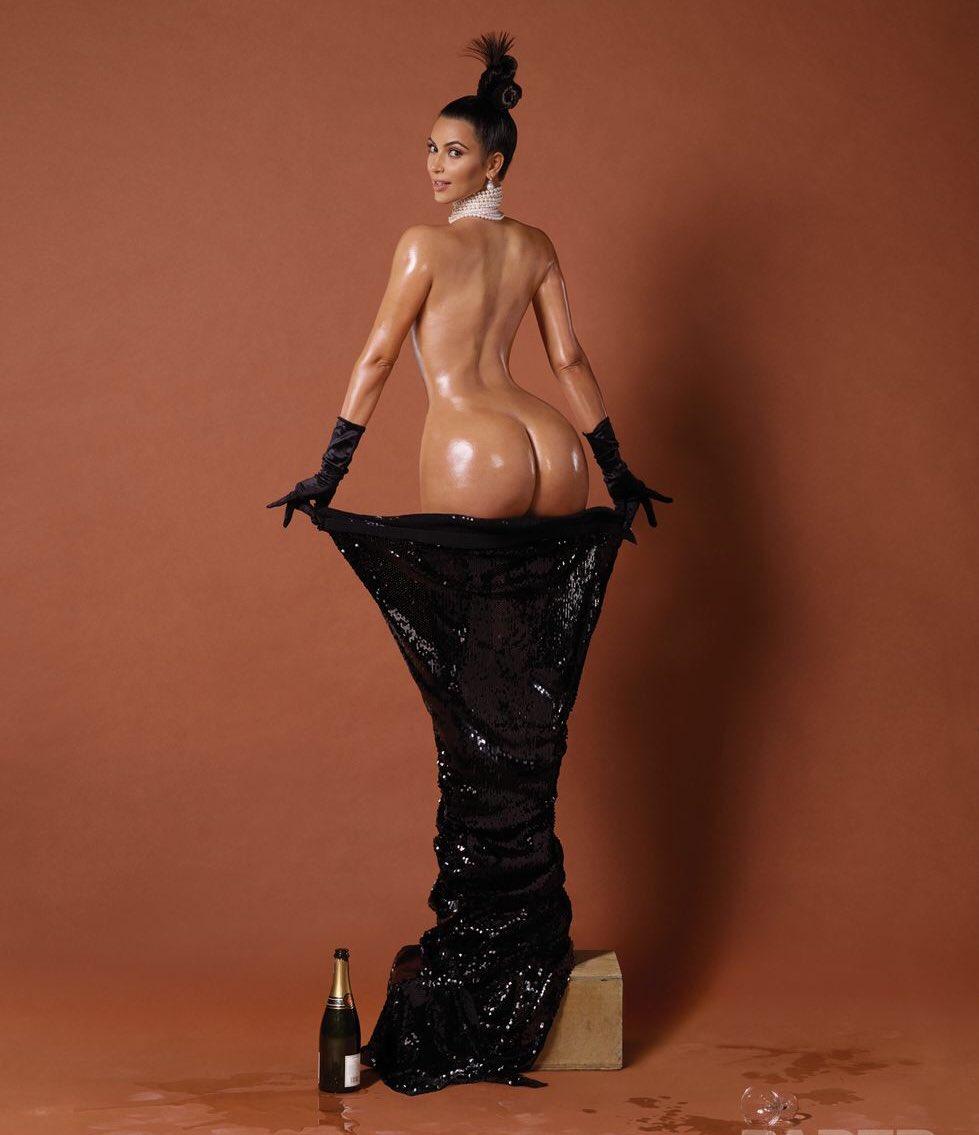 979x1135, 79 Kb / женщина, бокал, бутылка, накидка, бусы, перчатки, Kim Kardashian, Ким Кардашьян
