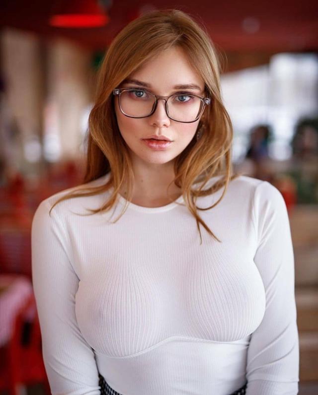 640x796, 515 Kb / сиськи, Natalia Tihomirova
